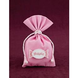 Μπομπονιέρα Βάπτισης Ροζ Πουγκί με Διακοσμητική Καραμέλα-Καρφίτσα