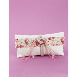 Μπομπονιέρα Γάμου Φάκελος Πικέ με Φλοράλ Διακόσμηση