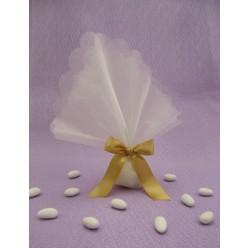 Οικονομική μπομπονιέρα γάμου με μαντύλι οργαντινά