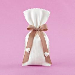 Πουγκί με Πικέ Ύφασμα και Ακρυλικές Καρδιές για Μπομπονιέρα Γάμου
