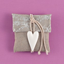 Φάκελος Γκρι Τετράγωνος με Ακρυλική Καρδιά για Μπομπονιέρα Γάμου