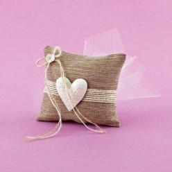 Μπομπονιέρα Γάμου Μαξιλαράκι Λινό με Διακοσμητική Καρδιά