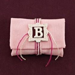 Μπομπονιέρα Βάπτισης Ροζ Φάκελος με Μονόγραμμα σε Κορνίζα