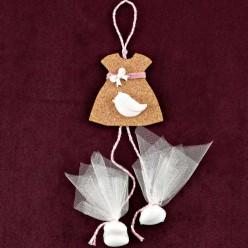 Μπομπονιέρα Βάπτισης Κρεμαστό Φορεματάκι με Περιστέρι