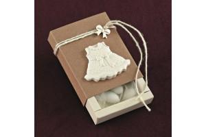 Μπομπονιέρα Βάπτισης Κράφτ Κουτί με Ακρυλικό Φορεματάκι και Φιογκάκι